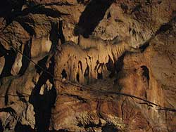 Act�n Kan Caves